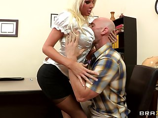 Sexual relations on the office table with blonde boss Holly Foray all round stockings