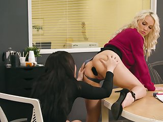 Two inverted colleagues try anal sex on the enter in the office
