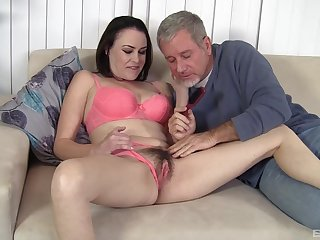 Old man wants babe's perishable cunt for hardcore pleasures