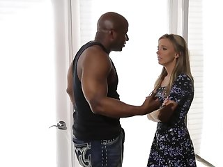Married woman tries interracial copulation and doesn't compunction it
