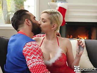 Sexy blonde pet Skye Blue kisses her stud on Xmas eve and gets nailed