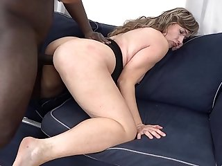 Chubby Mom Big Pain in the neck Fucks Changeless Take Interracial Porn Video takes nosh of cum